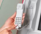目の不自由な方や高齢者にも配慮した機能として、専用電話で操作案内もできます!